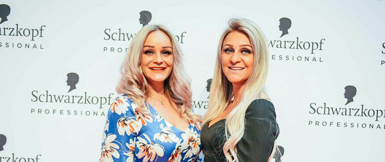 Cutting Edge Gewinnerin Carina Günay (rechts) mit ihrer Schwester